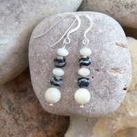 Earrings in Zebra Agate and Mother of Pearl