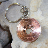 Paw in bronze halfpenny coin keyring