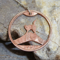 Cat pendant in recycled bronze coin (version C4)