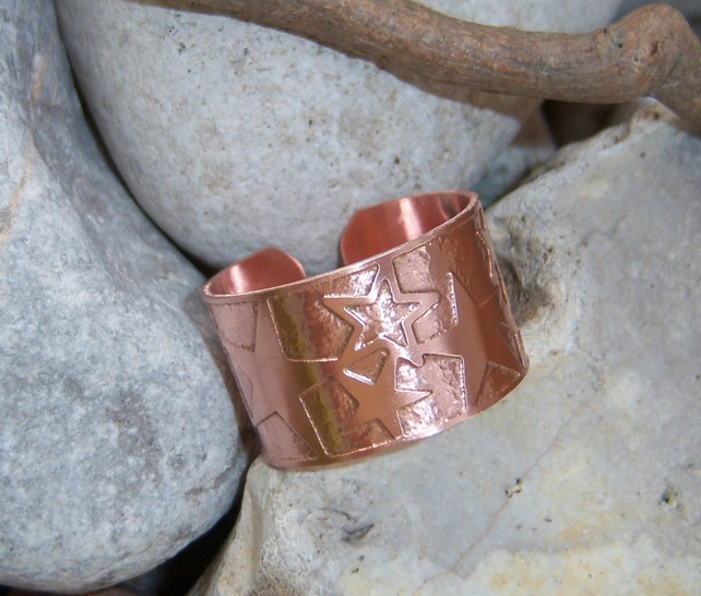 Unisex adjustable star ring in etched copper