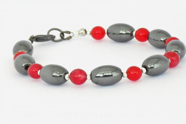 Red jade and hematite bracelet