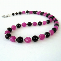 Pink jade and black onyx handmade necklace