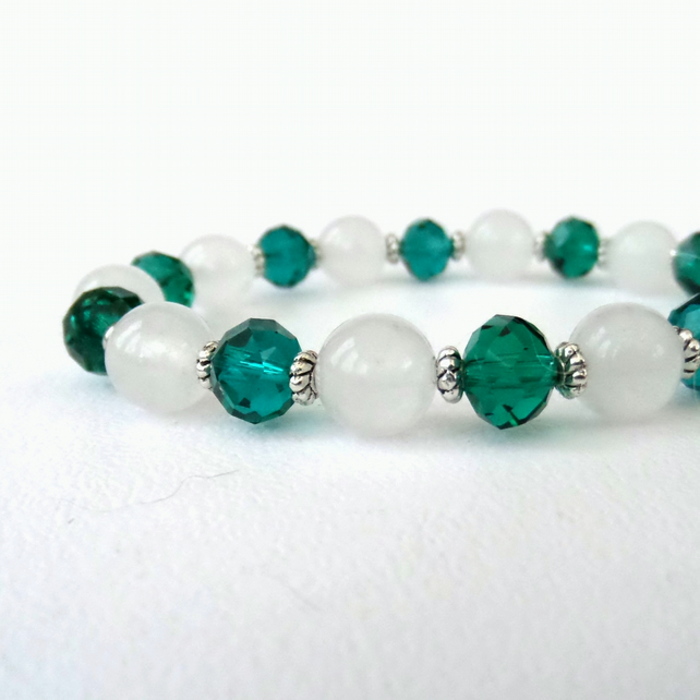 Handmade stretchy bracelet, with white jade and green crystal