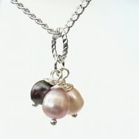 Three pearl cluster necklace