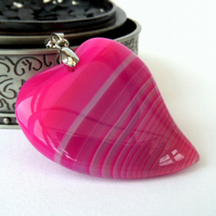 Stunning pink banded agate heart pendant necklace
