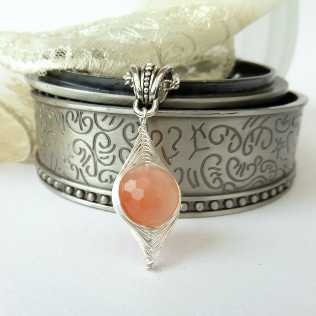 Unique wire wrapped carnelian gemstone necklace