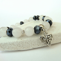 Stretchy heart charm bracelet, with white jade and jet crystal