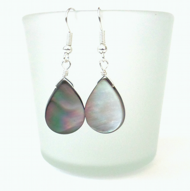 SALE: Shell earrings
