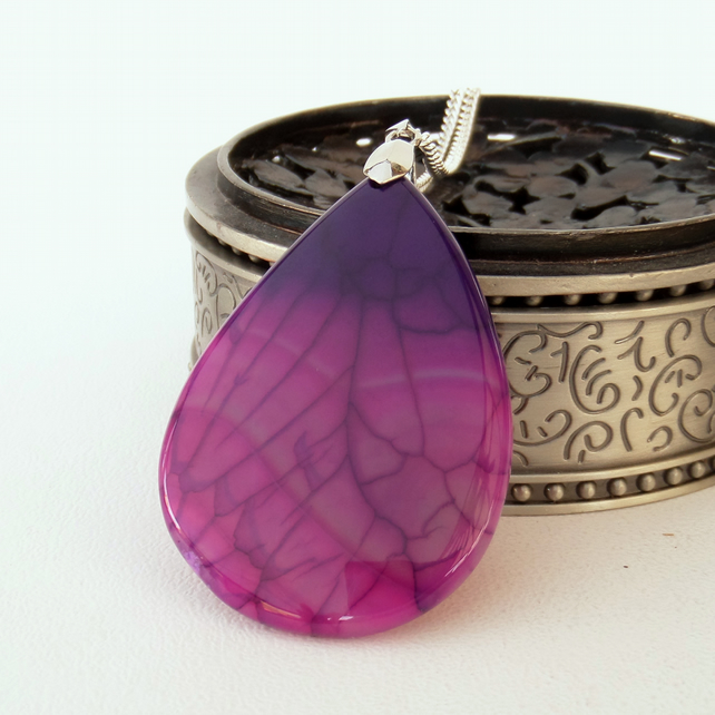 Pink and purple agate pendant necklace