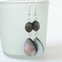 Black shell dangly earrings