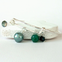 Adjustable green gemstone and crystal bangle-style bracelet
