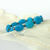 Cyan blue quartz stretchy bracelet