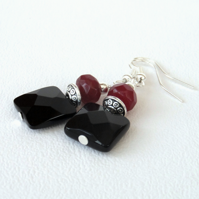 Black onyx and ruby red jade earrings
