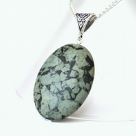 Green jasper pendant necklace