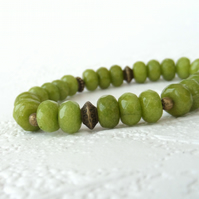 Kiwi green peridot gemstone and bronze stretchy bracelet