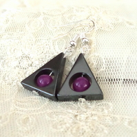 Hematite and fushia pink jade triangular earrings