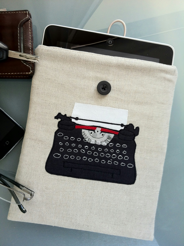 Vintage Typewriter iPad Sleeve with Charcoal Grey Lining