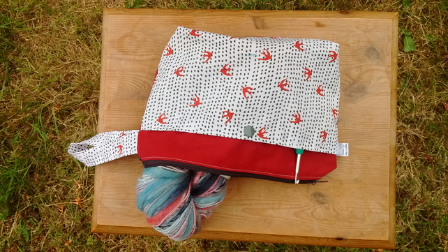 Project bag in red and white bird print cotton with zip and external pocket