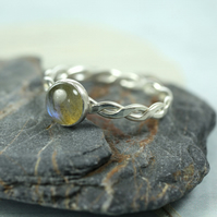 Hammered Twist Ring - Sterling with Labradorite Gemstone 6mm