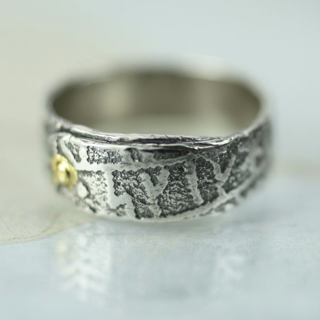 Overlap Sterling Rune Stone Band Ring With Gold Rivet