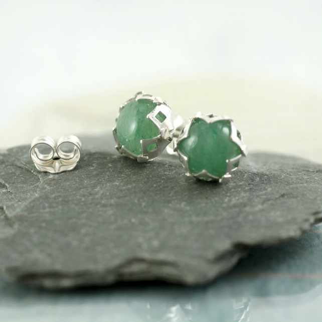 Flower Silver Earrings with Green Aventurine - Post Studs