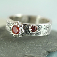 Unique Etched Pattern Band  Ring with Two Red Stones