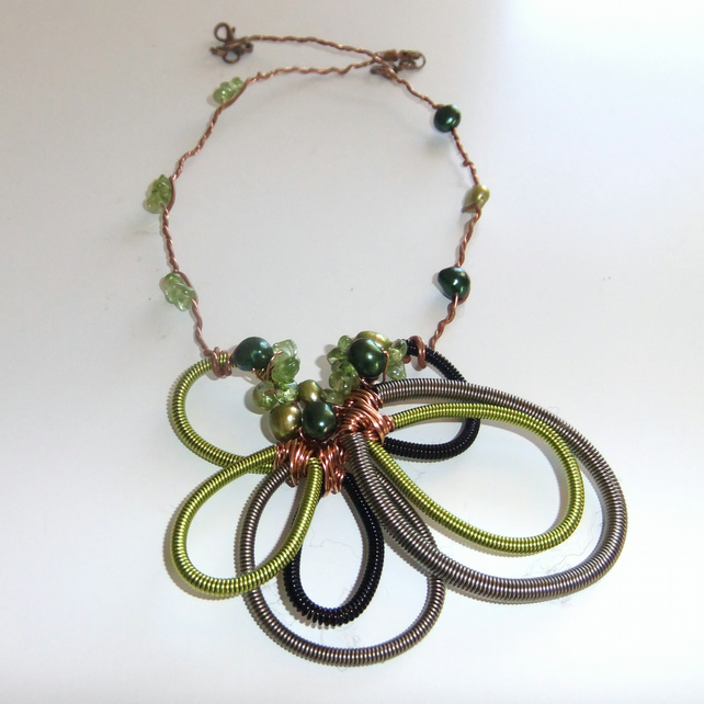 Peridot and Pearl Elven Neck Vine