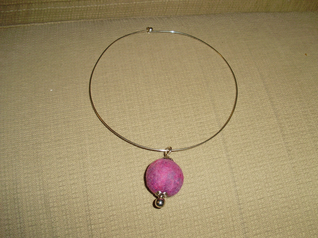 (018) Handmade Felt Choker Necklace.