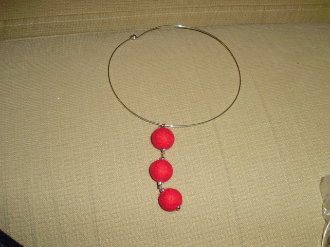 (012) Handmade Felt Choker Necklace.