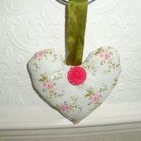 Vintage Fabric Heart. (108)
