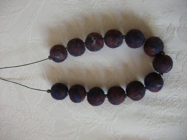 (052) Handmade Felt Necklace.