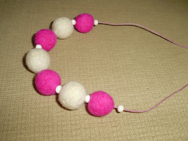 (063) Handmade Felt Necklace.