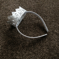 (421) Children's Silver Crown Headband.