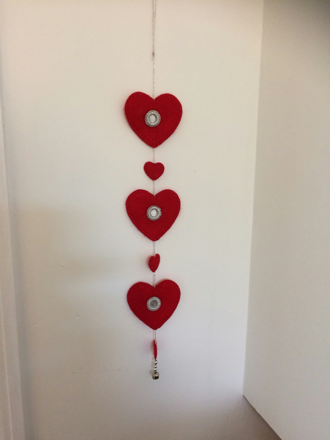 Red Felt Heart Garland. (417)