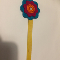 Flower Bookmark. (347)