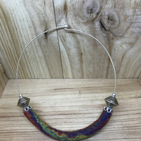 Felt Necklace. (584)