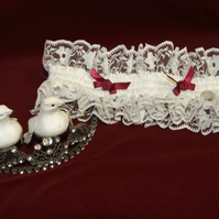Bridal Garter in lace and silk