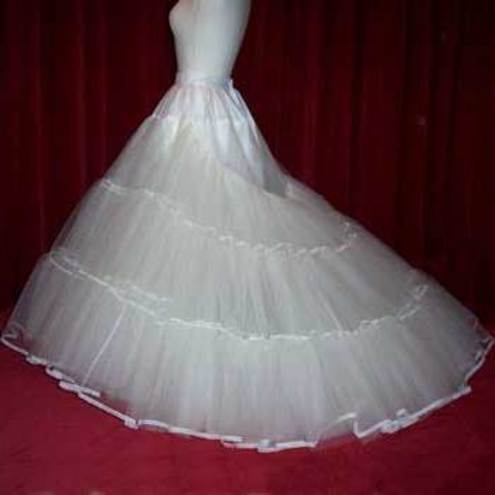 Bridal petticoat with 5 layer of stiff net with extended train
