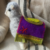 A very well behaved alpaca, just for you! Needle felted, hand stitched, decor 5