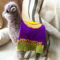 A very well behaved alpaca, just for you! Needle felted, hand stitched, decor 6