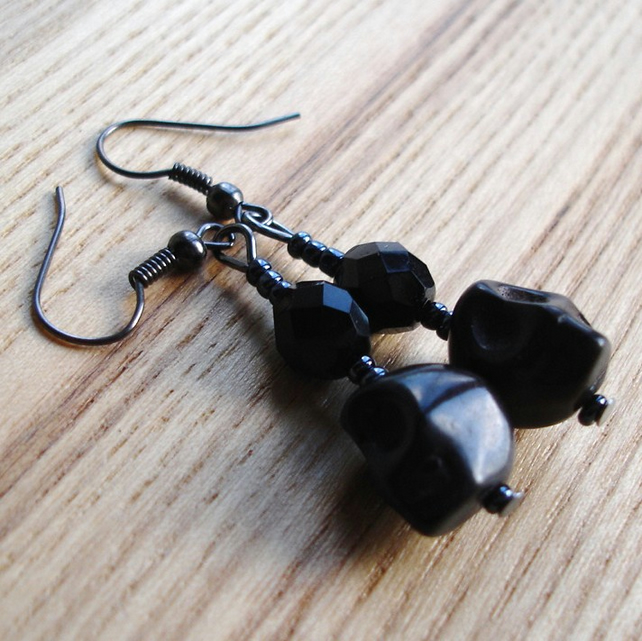 Howlite Skull Earrings in Black