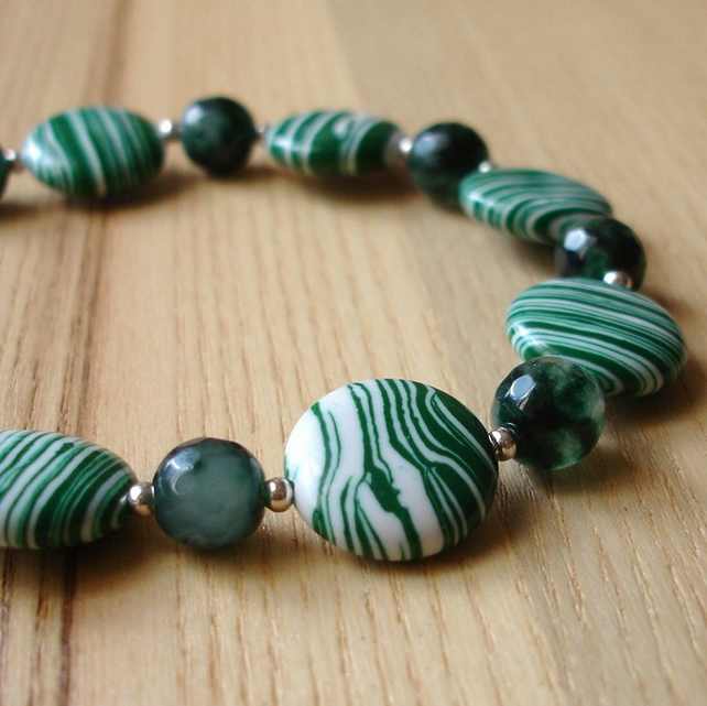Green and White Disc Bead Bracelet