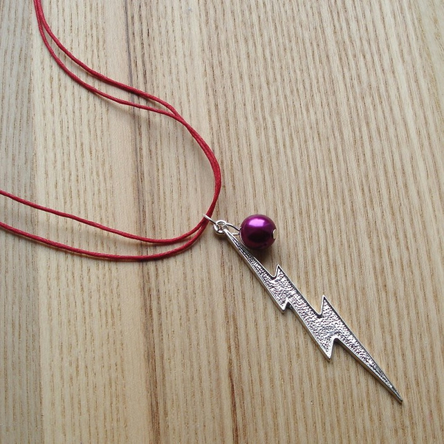 ZAP Lightning Bolt Pendant with Fuchsia Pearl