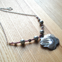 Shell Flower Bead Necklace