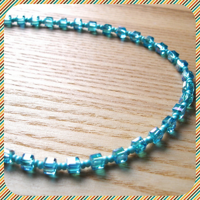 Sparkly Turquoise Bead Necklace
