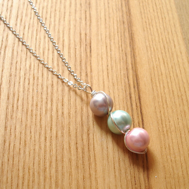 3 Pearl Wire Wrapped Pendant, 20th Birthday Gift for Sister, Bridesmaid Jewelry