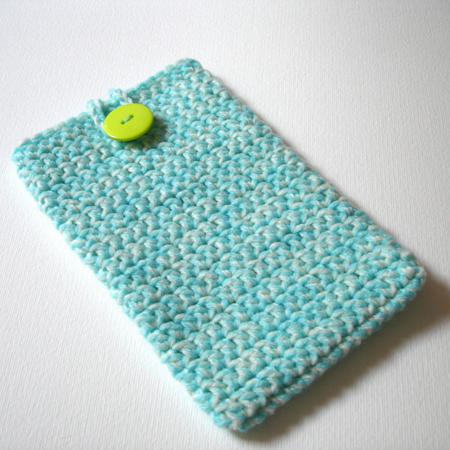 Crochet iPhone 6 Plus Cosy with Button in Aqua and Cream