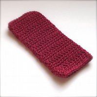 Crochet Mobile iPhone 5 Sock in Deep Ruby Red