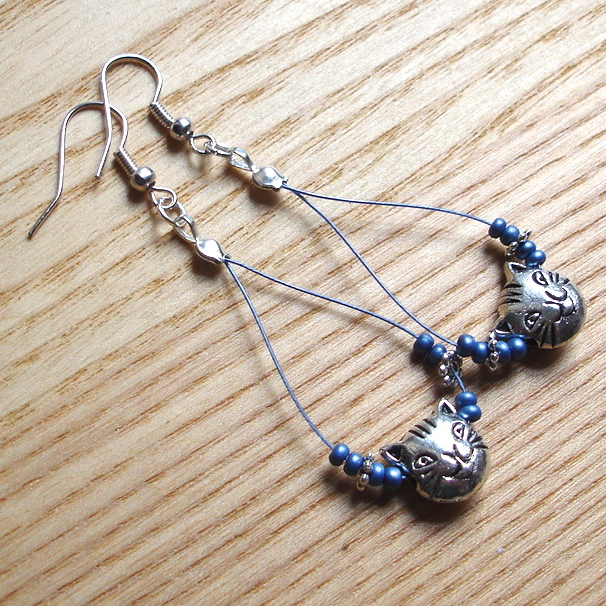 Beautiful Blue Cat Bead Loop Bead Earrings, Gorgeous Gift for Her