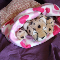 Lovely soft snuggle sack for cat or small dog